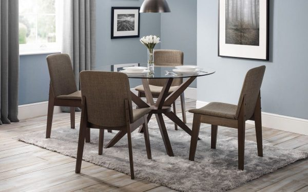 Chelsea table with Kensington chairs